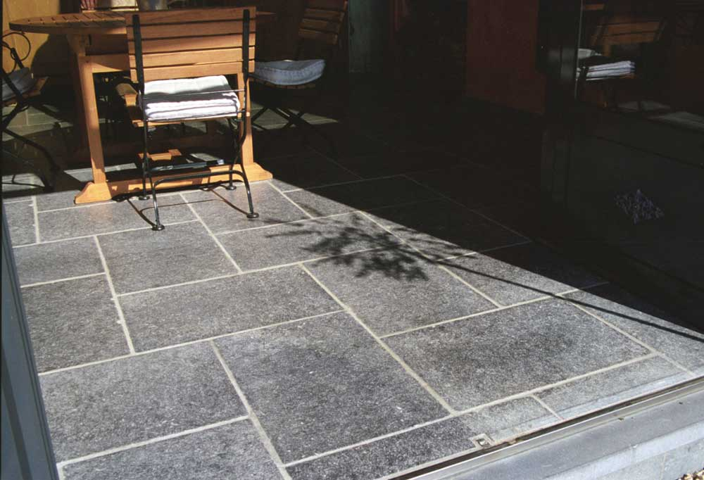 Carrelage int rieur en pierre naturelle for Carrelage en pierre naturelle