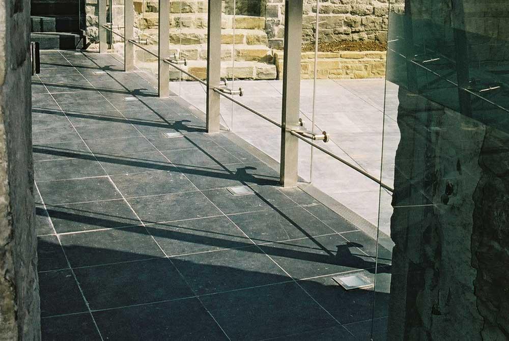 carrelage intérieur en pierre